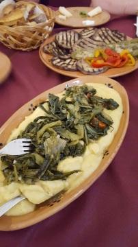 Aubergines et poivrons grillés - Purée de pois chiches et cime di rapa